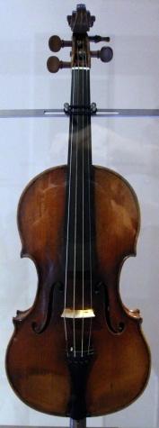 Bartolomeo_giuseppe_guarneri,_violino_cannone,_appartenuto_a_niccolò_paganini,_cremona_1743